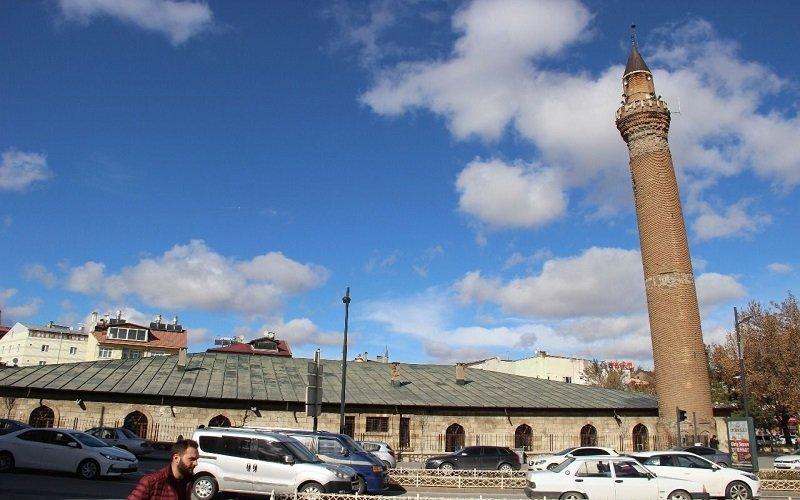 Eğri Minare Aksaray