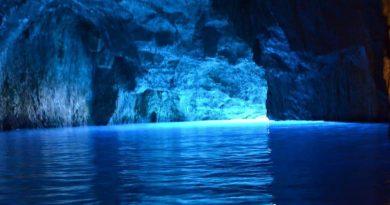 Mavi Mağara