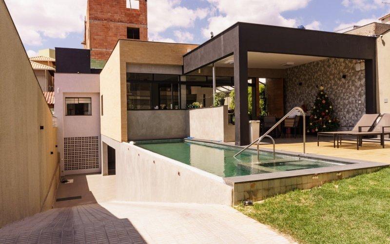 Kiralık Isıtmalı Havuzlu Villa
